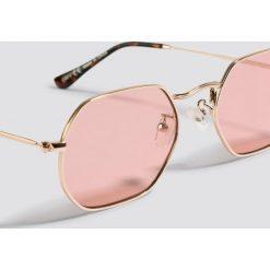 NA-KD Accessories Okulary przeciwsłoneczne Octagon - Pink,Gold. Szare okulary przeciwsłoneczne damskie lenonki marki ORAO. Za 60,95 zł.
