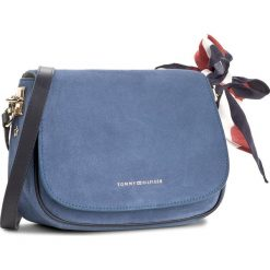 Listonoszki damskie: Torebka TOMMY HILFIGER – Iconic Foulard Leather Saddle Bag Suede AW0AW04961 484