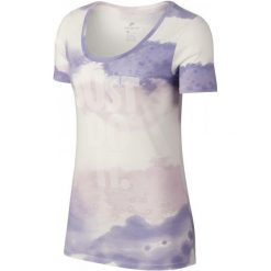Nike Koszulka Sportowa Damska W Nsw Tee Scoop Jdi Wash, Sail Purple Pulse Barely Grape White S. Czarne bluzki sportowe damskie marki Nike, xs, z bawełny. Za 105,00 zł.
