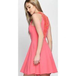 Sukienki: Koralowa Sukienka Blozen