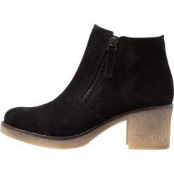 Pinto Di Blu Ankle boot puma. Czarne botki damskie na zamek Pinto Di Blu, z materiału. Za 369,00 zł.