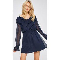 Answear - Sukienka Stripes Vibes. Szare długie sukienki ANSWEAR, na co dzień, l, z poliesteru, casualowe, z długim rękawem, rozkloszowane. W wyprzedaży za 99,90 zł.