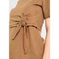 T-shirty damskie: Boob SUKI Tshirt z nadrukiem brown sugar