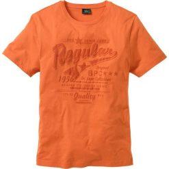 T-shirt Regular Fit bonprix pomarańczowy. Brązowe t-shirty męskie z nadrukiem bonprix, m. Za 24,99 zł.