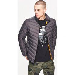 Kurtki męskie bomber: Pikowana kurtka z kontrastową podszewką – Szary
