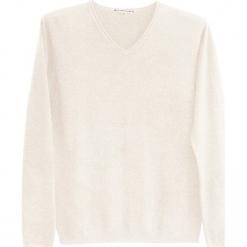 Sweter kaszmirowy w kolorze kremowym. Białe swetry klasyczne męskie marki Ateliers de la Maille, m, z kaszmiru, z okrągłym kołnierzem. W wyprzedaży za 500,95 zł.