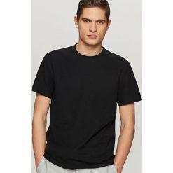 T-shirty męskie: Gładki t-shirt ze strukturalnej dzianiny – Czarny