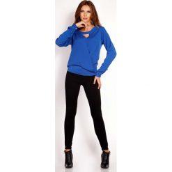Niebieska Bluzka z Wycięciem przy Dekolcie. Niebieskie bluzki longsleeves Molly.pl, l, z tkaniny, z okrągłym kołnierzem. Za 99,00 zł.