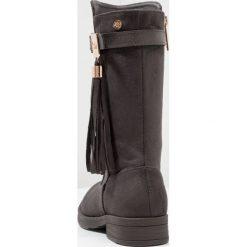 Buty zimowe damskie: XTI Kozaki grey