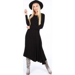 Sukienka asymetryczna czarna 1879. Czarne sukienki asymetryczne Fasardi, l, z asymetrycznym kołnierzem. Za 99,00 zł.