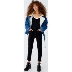 Jeansy super skinny fit z wysokim stanem. Czarne spodnie z wysokim stanem Pull&Bear, z jeansu. Za 79,90 zł.
