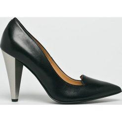 Solo Femme - Czółenka. Szare buty ślubne damskie Solo Femme, z materiału, na szpilce. W wyprzedaży za 299,90 zł.