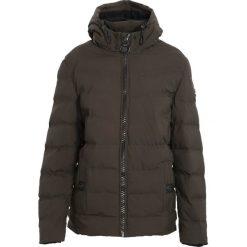 Ciemnozielona Kurtka All Things Go. Czarne kurtki męskie pikowane marki Born2be, l, z aplikacjami, z dresówki. Za 179,99 zł.