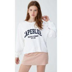 """Koszulka z długim rękawem """"Capeblue"""". Niebieskie t-shirty damskie marki Pull&Bear. Za 59,90 zł."""