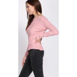 Różowy Sweter Discernment. Czerwone swetry klasyczne damskie marki Born2be, na jesień, l. Za 49,99 zł.
