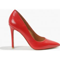 Czółenka czerwone. Czerwone buty ślubne damskie Badura. Za 289,99 zł.