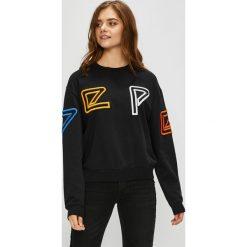 Pepe Jeans - Bluza Colette. Czarne bluzy z nadrukiem damskie Pepe Jeans, l, z bawełny, bez kaptura. Za 359,90 zł.