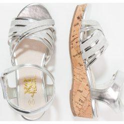 Sandały chłopięce: XTI Sandały silver