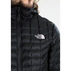 The North Face Kurtka Outdoor black. Różowe kurtki damskie turystyczne marki The North Face, m, z nadrukiem, z bawełny. W wyprzedaży za 594,30 zł.