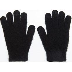 Rękawiczki do ekranów dotykowych - Czarny. Czarne rękawiczki damskie marki Cropp. Za 14,99 zł.