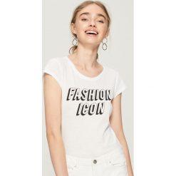 T-shirt Fashion icon - Biały. Białe t-shirty damskie Sinsay, l. Za 9,99 zł.