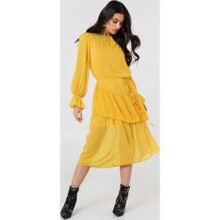 Trendyol Sukienka midi z falbaną - Yellow. Szare długie sukienki marki Trendyol, na co dzień, z elastanu, casualowe, dopasowane. Za 202,95 zł.