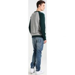 GStar ARCZ 3D SLIM Jeansy Relaxed Fit scatter denim. Niebieskie jeansy męskie marki G-Star. W wyprzedaży za 395,40 zł.