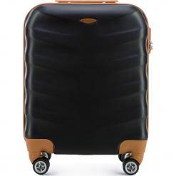 Walizka kabinowa 56-3A-231-10. Czarne walizki marki Wittchen, z gumy, małe. Za 159,00 zł.