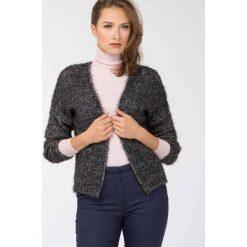 Swetry klasyczne damskie: Sweter ze złotą nitką