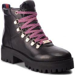 Trapery STEVE MADDEN - Boomer Ankle Boot SM11000245-03001-017 Black Leather. Czarne buty zimowe damskie marki Steve Madden, z materiału. W wyprzedaży za 439,00 zł.