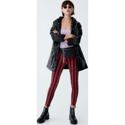 Wzorzyste jeansy skinny fit. Szare jeansy damskie relaxed fit Pull&Bear, z jeansu. Za 99,90 zł.