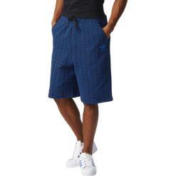 Spodenki i szorty męskie: Adidas Spodenki męskie NYC AOP Short niebieski r. M (BK0042)