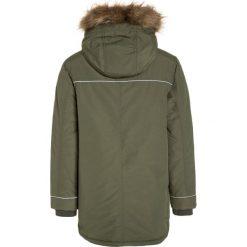 Quiksilver SEASONAL RAIN Płaszcz zimowy four leaf clover. Niebieskie kurtki chłopięce zimowe marki Quiksilver, l, narciarskie. W wyprzedaży za 356,85 zł.