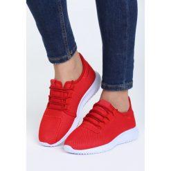Czerwone Buty Sportowe Come Down. Czerwone buty sportowe damskie marki KALENJI, z gumy. Za 89,99 zł.