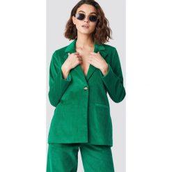 Emilie Briting x NA-KD Marynarka Manchester - Green. Zielone marynarki i żakiety damskie marki Emilie Briting x NA-KD, l. Za 202,95 zł.