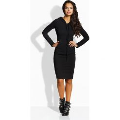 Długa dopasowana sukienka czarna ELLA. Czarne długie sukienki marki Sinsay, l, z kapturem. Za 104,90 zł.
