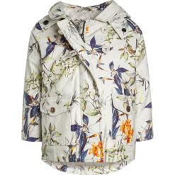 Next Kurtka przeciwdeszczowa cream. Brązowe kurtki dziewczęce przeciwdeszczowe marki Next, z bawełny. W wyprzedaży za 174,30 zł.