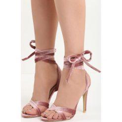Różowe Sandały Choosy. Czerwone sandały damskie marki Born2be, z materiału, na wysokim obcasie, na obcasie. Za 69,99 zł.