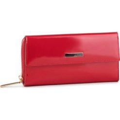 Duży Portfel Damski MONNARI - PUR0711-005 Red. Czerwone portfele damskie Monnari, z lakierowanej skóry. W wyprzedaży za 189,00 zł.