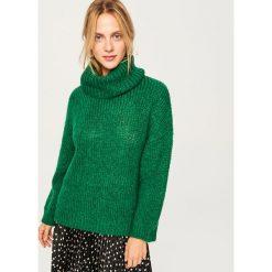 Sweter z domieszką wełny - Zielony. Zielone swetry klasyczne damskie marki Reserved, l, z wełny. Za 139,99 zł.