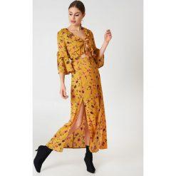 Glamorous Sukienka midi z krótkim rękawem - Multicolor,Yellow. Żółte sukienki mini Glamorous, z falbankami, z krótkim rękawem. W wyprzedaży za 72,89 zł.