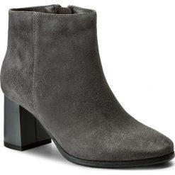 Botki KOTYL - 5513 Szary Zamsz. Szare buty zimowe damskie Kotyl, ze skóry, na obcasie. W wyprzedaży za 299,00 zł.