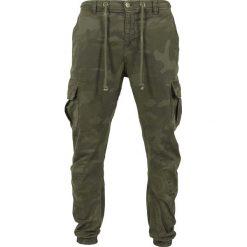 Urban Classics Cargo Jogging Pants Spodnie dresowe kamuflaż Woodland. Niebieskie joggery męskie marki Urban Classics, l, z okrągłym kołnierzem. Za 199,90 zł.