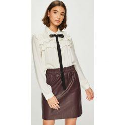 Vero Moda - Koszula Carmen. Szare koszule wiązane damskie Vero Moda, l, z poliesteru, casualowe, z klasycznym kołnierzykiem, z długim rękawem. Za 149,90 zł.