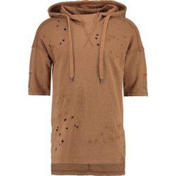Black Kaviar STAYTON Tshirt z nadrukiem camel. Brązowe koszulki polo Black Kaviar, m, z nadrukiem, z bawełny. W wyprzedaży za 209,50 zł.
