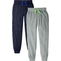 Spodnie dresowe w melanżowym kolorze (2 pary) bonprix czarno-niebieski melanż + szaro-zielony melanż. Czarne spodnie chłopięce marki bonprix, melanż, z dresówki. Za 59,98 zł.
