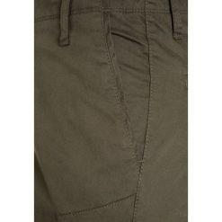 Teddy Smith BATTLE Bojówki turbulence kaki. Brązowe spodnie chłopięce Teddy Smith, z bawełny. Za 209,00 zł.
