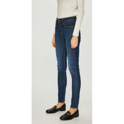 Levi's - Jeansy. Brązowe jeansy damskie rurki marki Levi's®, z bawełny, z podwyższonym stanem. Za 399,90 zł.