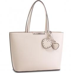Torebka GUESS - Britta HWPU6 693230  NUD. Brązowe torebki klasyczne damskie Guess, z aplikacjami, ze skóry ekologicznej, duże. Za 589,00 zł.