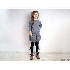 Sukienki dziewczęce z falbanami: Sukienka GIZEM mini melanż granatowa dresowa